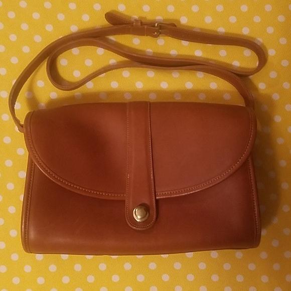 Coach Handbags - 70s vintage Coach crossbody purse